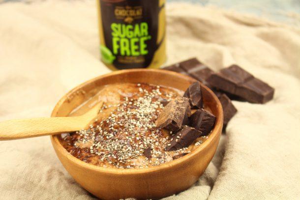 chocolate tahini smoothie bowl